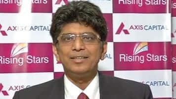 Choose stocks carefully; positive on banks, auto: Axis Cap