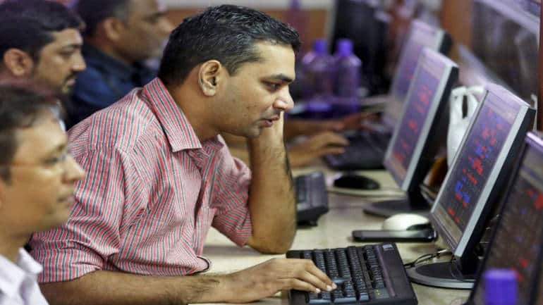 Technical View: Nifty forms bearish candle ahead of F&O expiry, experts say traders can short below 11,660