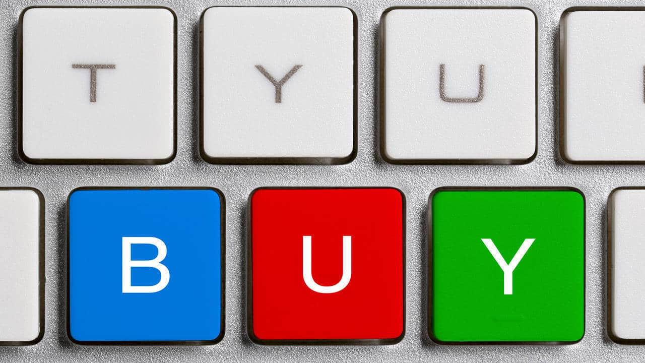 Bull's Eye: Buy Bajaj Auto, HDIL, V-Guard, Reliance Capital, Muthoot Finance