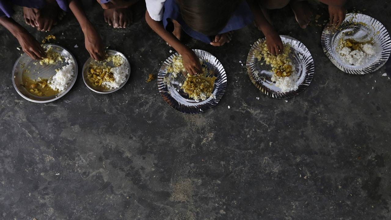 Andhra govt extends mid-day meal scheme to senior secondary students in Vizag