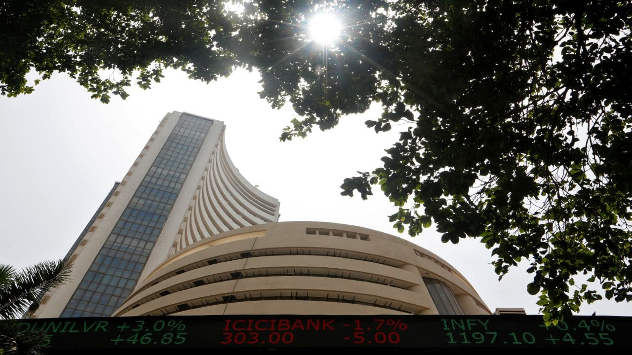 'Strong resistance for Nifty at 11,560-11,590; REC, Infosys look attractive'