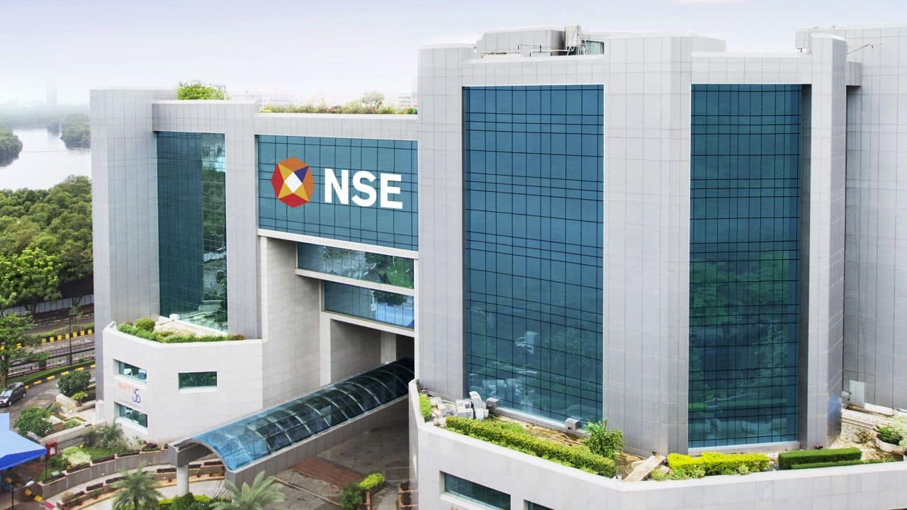 Nifty needs to hold 10,450 to rise to 10,750; positive move likely in 8 stocks