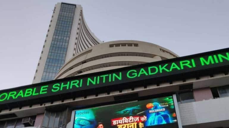 Closing Bell: Nifty ends below 15,750, Sensex falls 485 pts; bank, metal, pharma drag