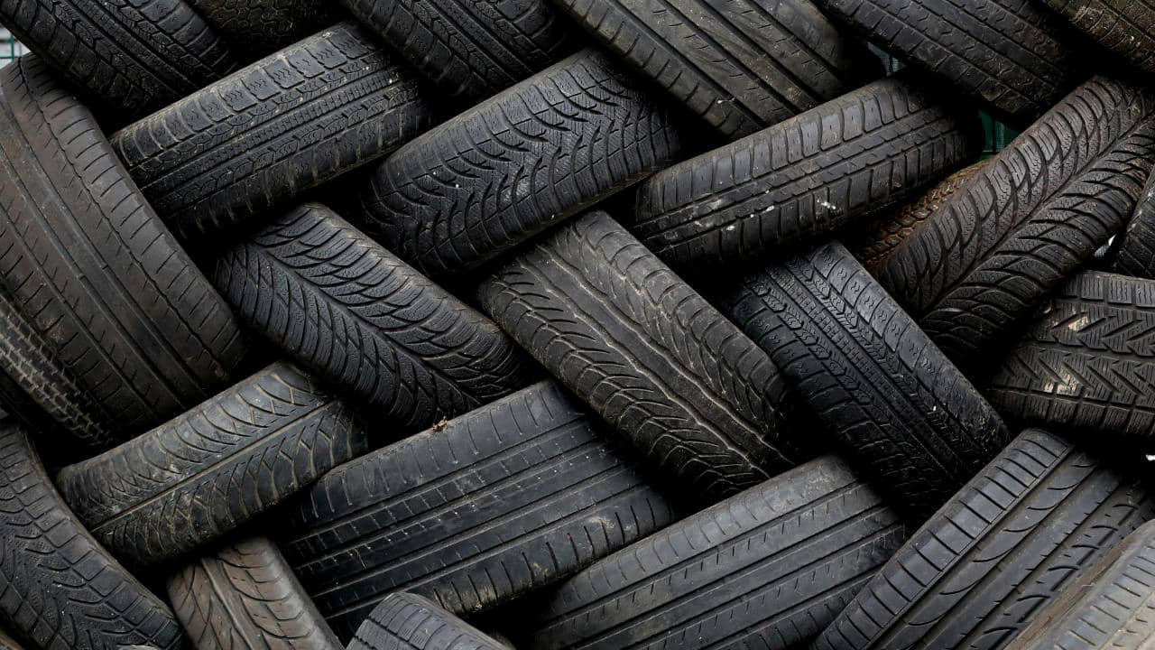 Falling crude a boon for tyre makers: Apollo Tyres, CEAT and MRF in sweet spot