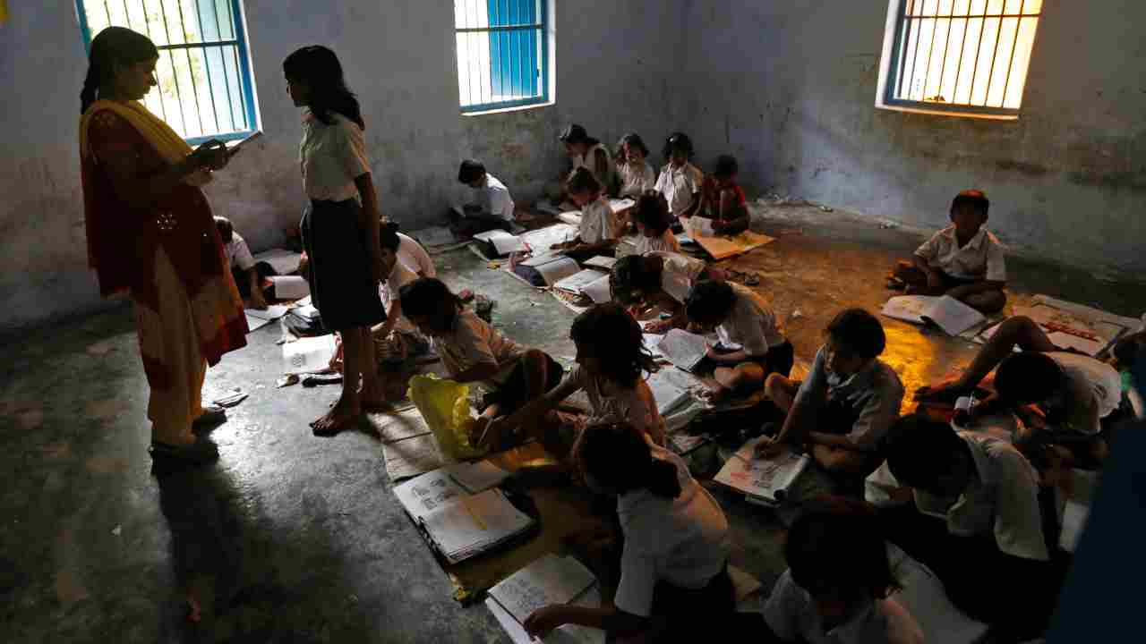 AAP education challenge | Amit Shah shares video on condition of Delhi govt schools