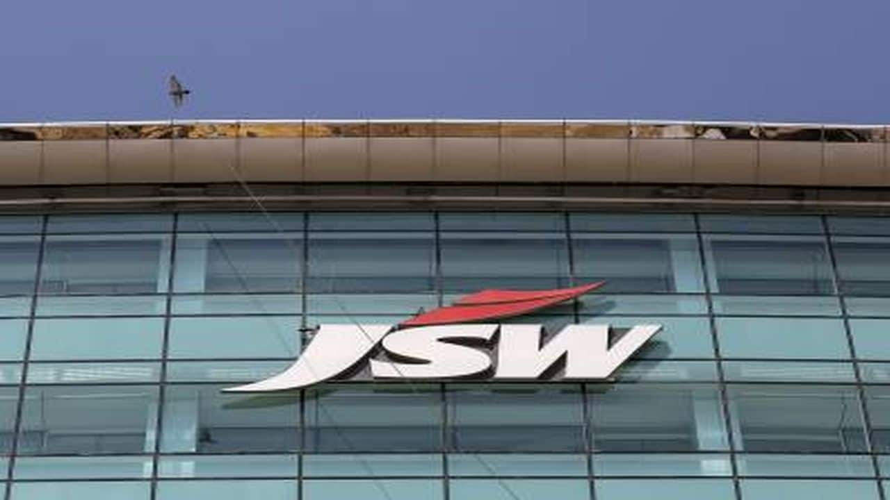 Line break chart set up suggests buying in JSW Steel, keep stop loss at Rs 193