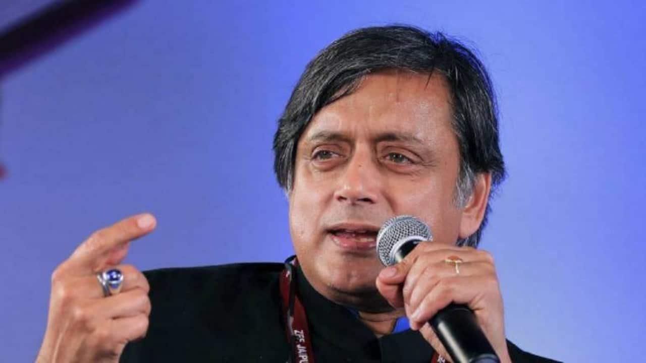 Shashi Tharoor misquotes Ghalib; Guess who schools the veteran Congress leader?