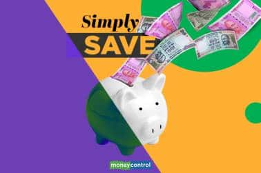 Simply Save | Will docking away 20 percent of fund manager's salary really help investor?