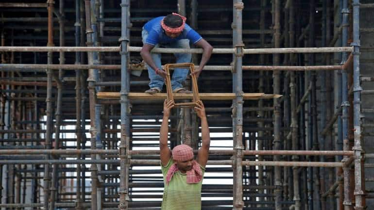 Gratuity payment terms | Parliamentary panel suggests easing 5-year employment criteria to a year