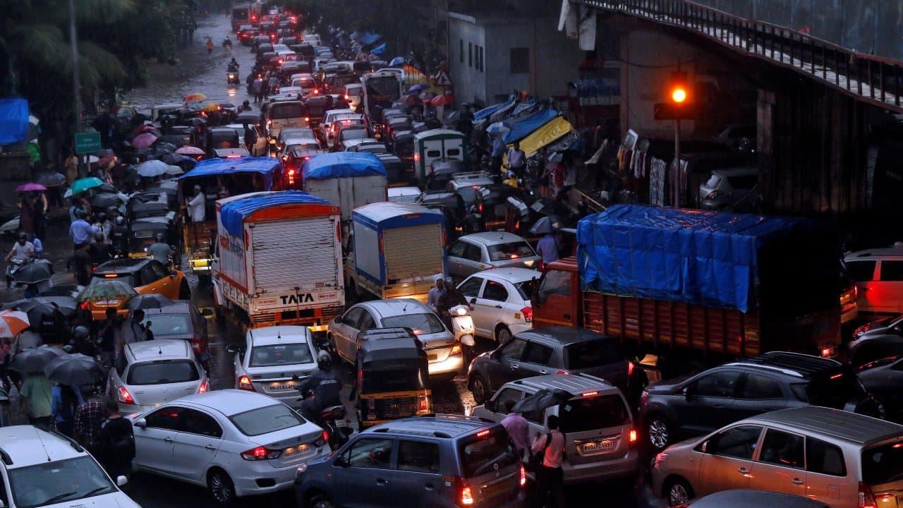 Celebs want Amit Shah to solve Saki Naka traffic woes