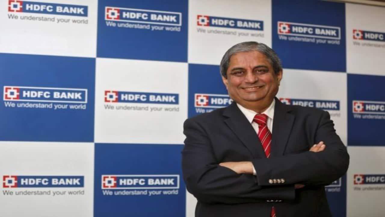 Annual pay in FY20: HDFC Bank MD Aditya Puri's Rs 18.9 crore vs SBI Chairman Rajnish Kumar's Rs 31 lakh
