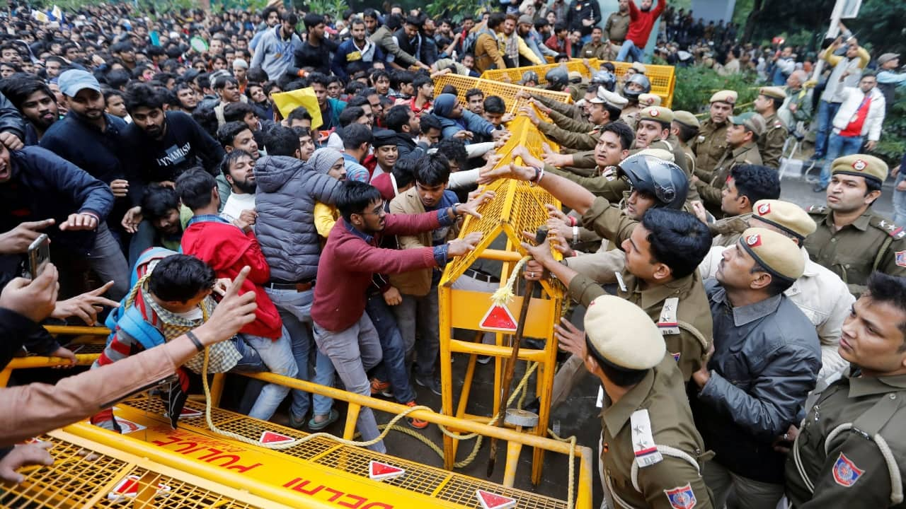 BJP leader Kapil Mishra gives Delhi Police 3-day ultimatum to clear streets of anti-CAA protesters