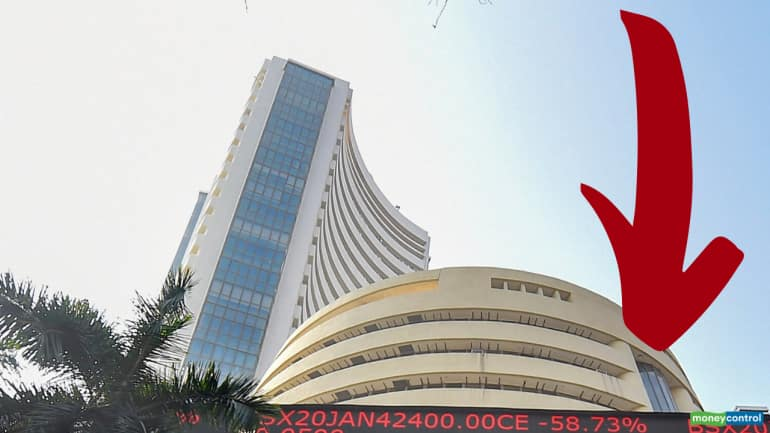 Closing Bell: Nifty ends Jan series below 13,850, Sensex slips 535 pts; IT stocks dip