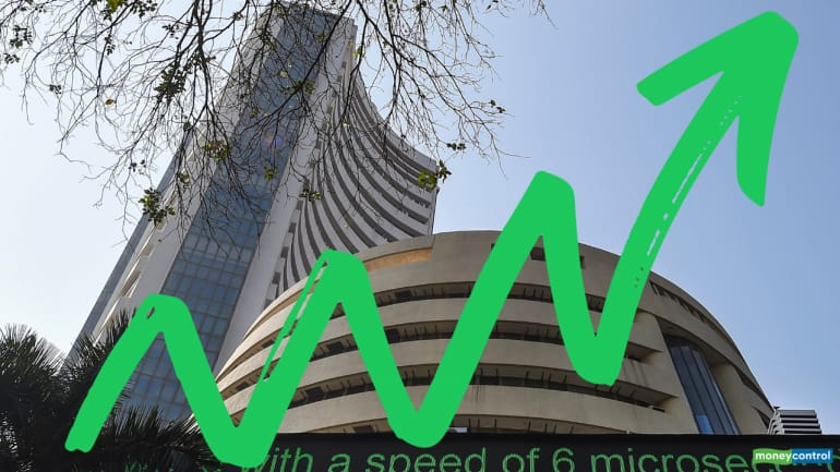 Closing Bell: Nifty ends just shy of 9,300, Sensex gains 415 pts; IndusInd Bank up 6% ahead of result