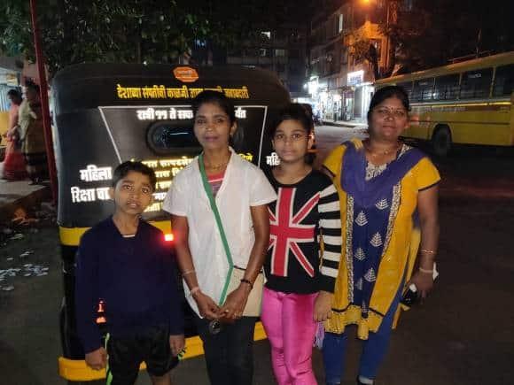 Minaj Nadaf and family