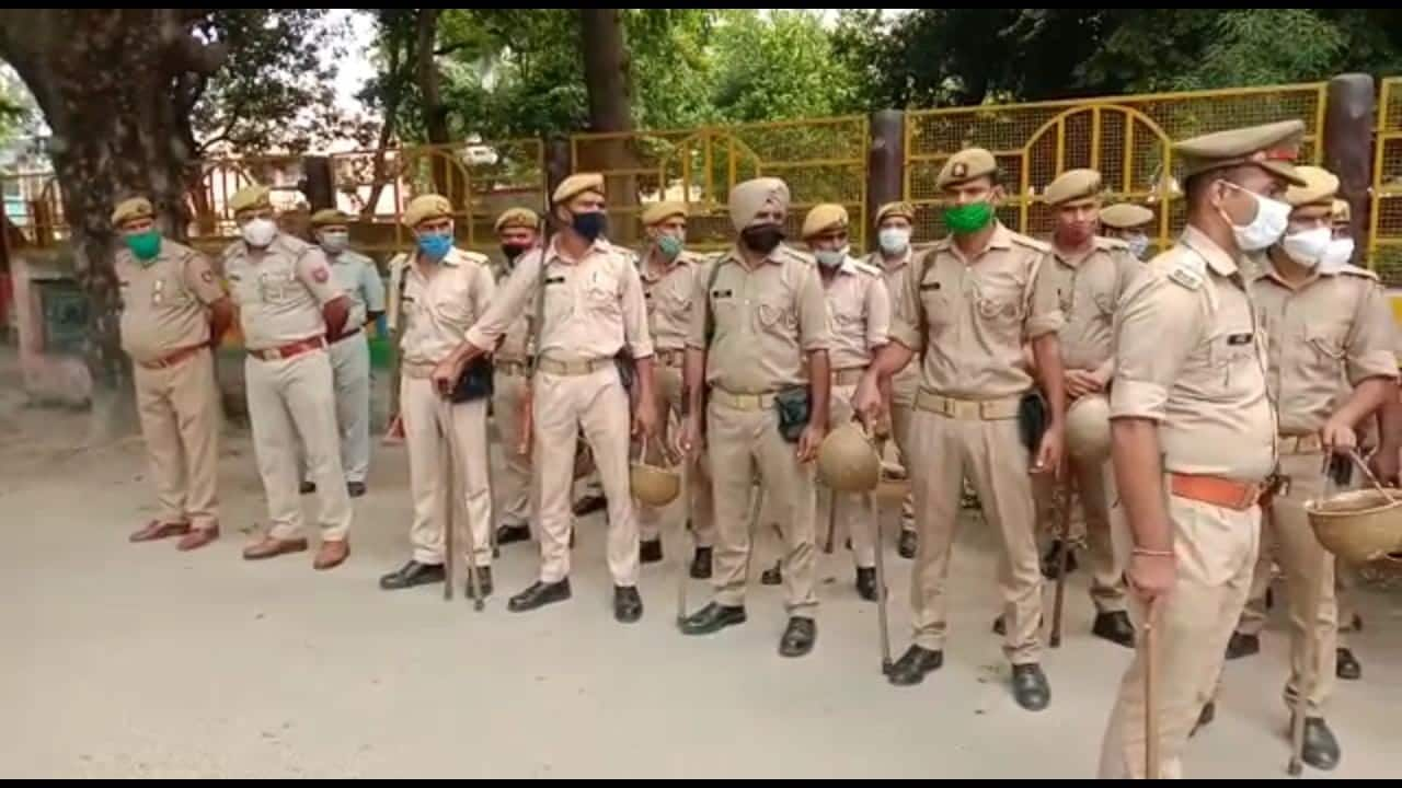 Police on alert mode in Moradabad due to farmers' protest. (Image: News18)