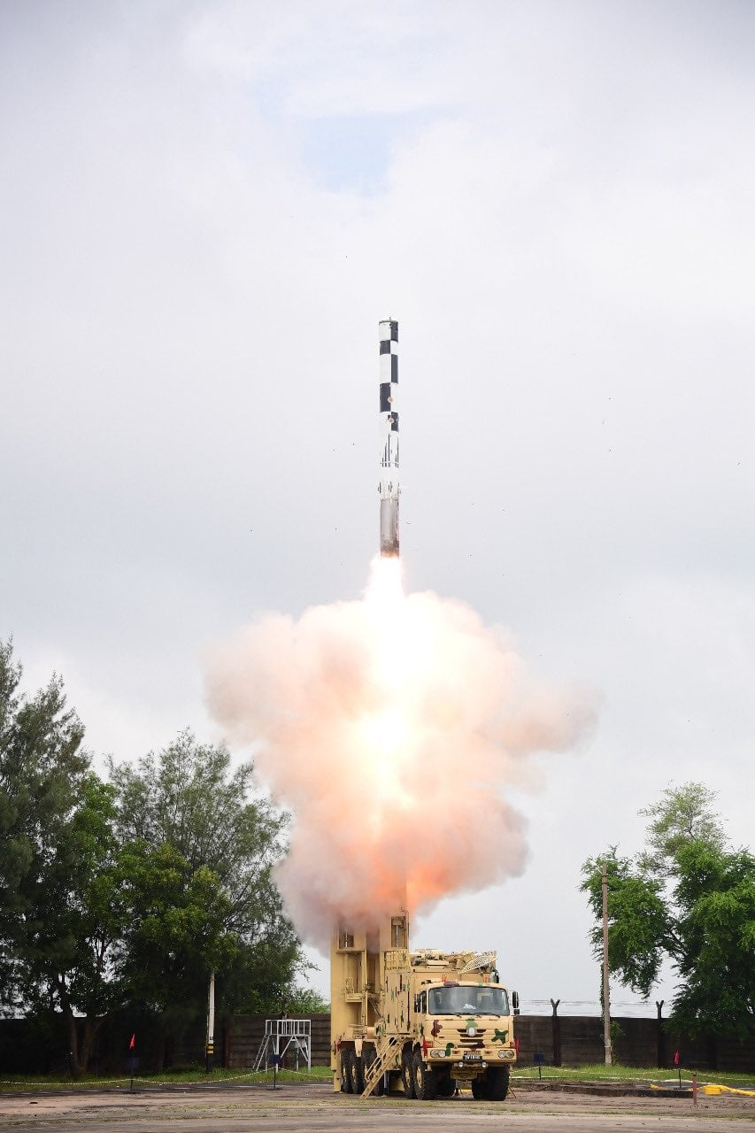 BRAHMOS surface-to-surface supersonic cruise missile featuring indigenous Booster and Airframe Section along with many other 'Made in India' sub-systems was successfully flight tested for designated range at 1030 hours today on September 30, 2020 from ITR, Balasore in Odisha. It is one more major step in enhancing the indigenous content. The BRAHMOS Land-Attack Cruise Missile (LACM) was cruising at a top speed of Mach 2.8. Defence Minister Shri Rajnath Singh congratulated all the personnel of DRDO and team BrahMos for the spectacular mission. Dr G Satheesh Reddy, Secretary DD R&D and Chairman DRDO congratulated the scientific community and industry for this feat. (Image: Instagram/dpi.drdo )