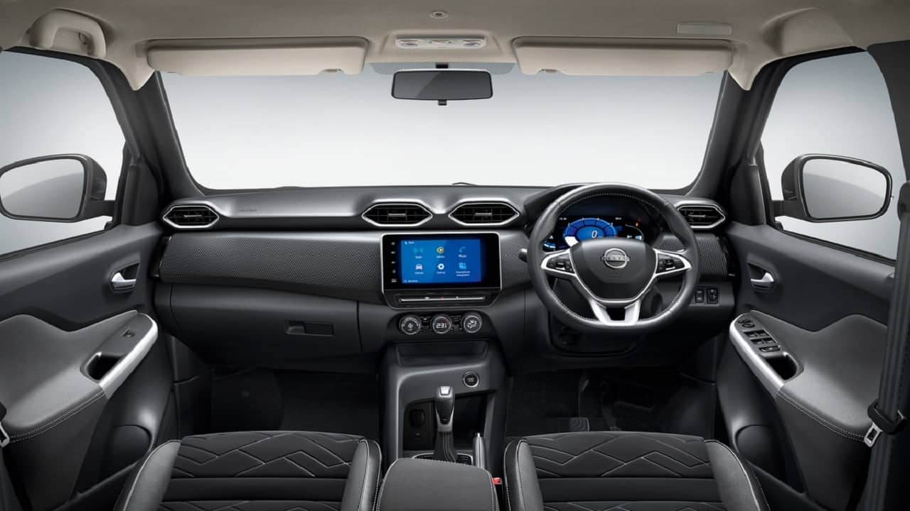 An 8-inch infotainment touchscreen with Apple CarPlay and Android Auto joins the first-in-class 7-inch thin-film-transistor instrument screen in the Magnite. (Image: Nissan)