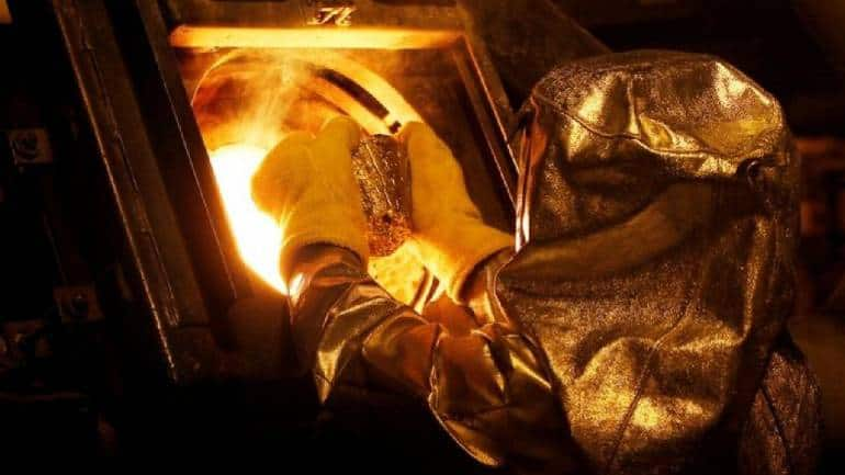 Maintain caution, gold price could trade sideways with a lower bias