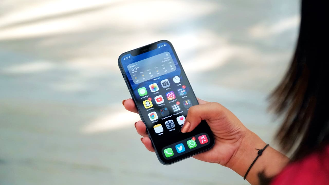 apple iPhone 12 8