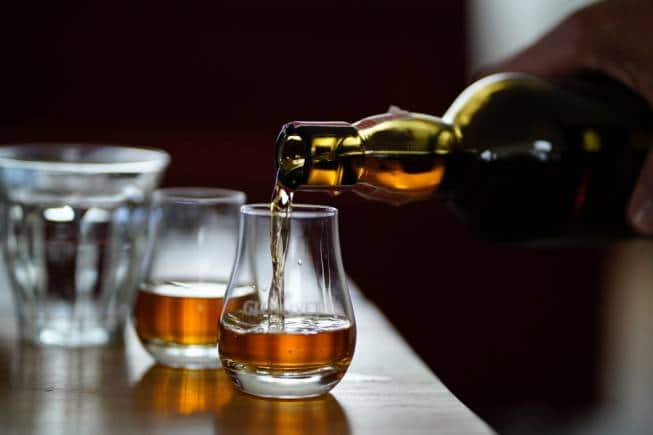 Whisky 101 For Dummies: Single Malt V/s Single Grain, Peated V/s Unpeated, And Many More Questions answered