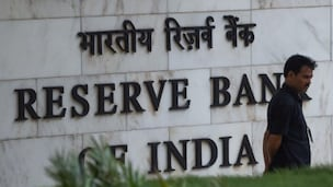 RBI unveils stricter norms for banks to bolster grievance redress mechanism