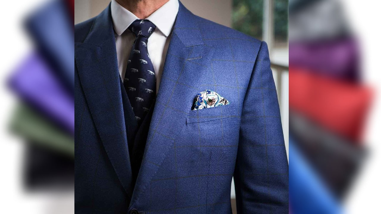 Wearing pocket square with suit