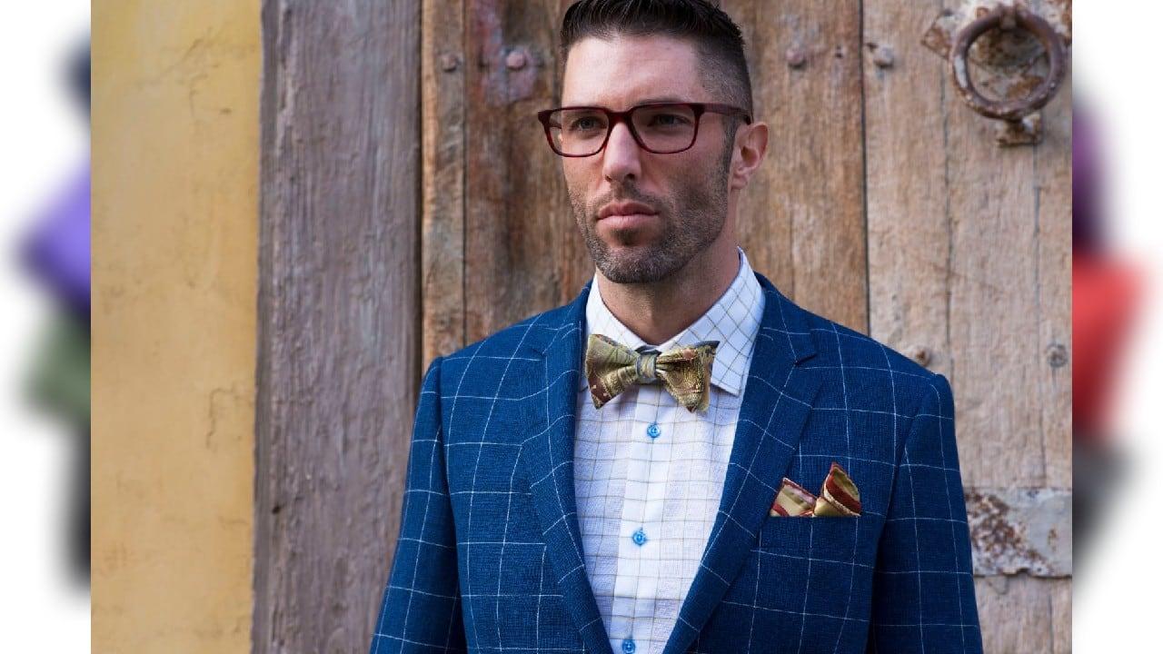 16 pocket squares suit