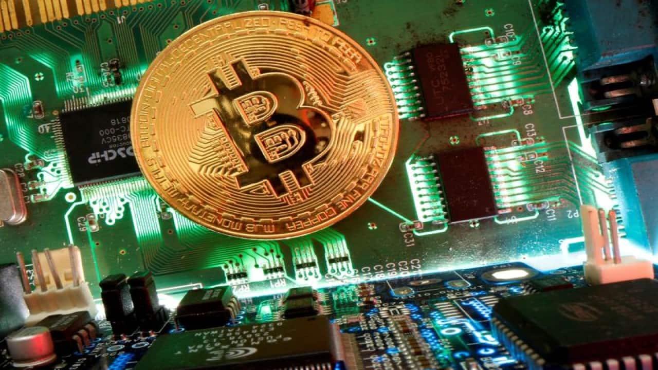 Rakesh Jhunjhunwala not alone in avoiding Bitcoin party, D-Street experts feel the same