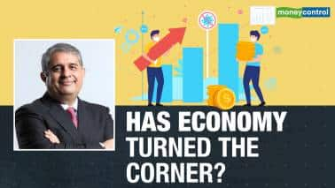 Can private investments spur the growth cycle? Axis Bank CEO Amitabh Chaudhry answers