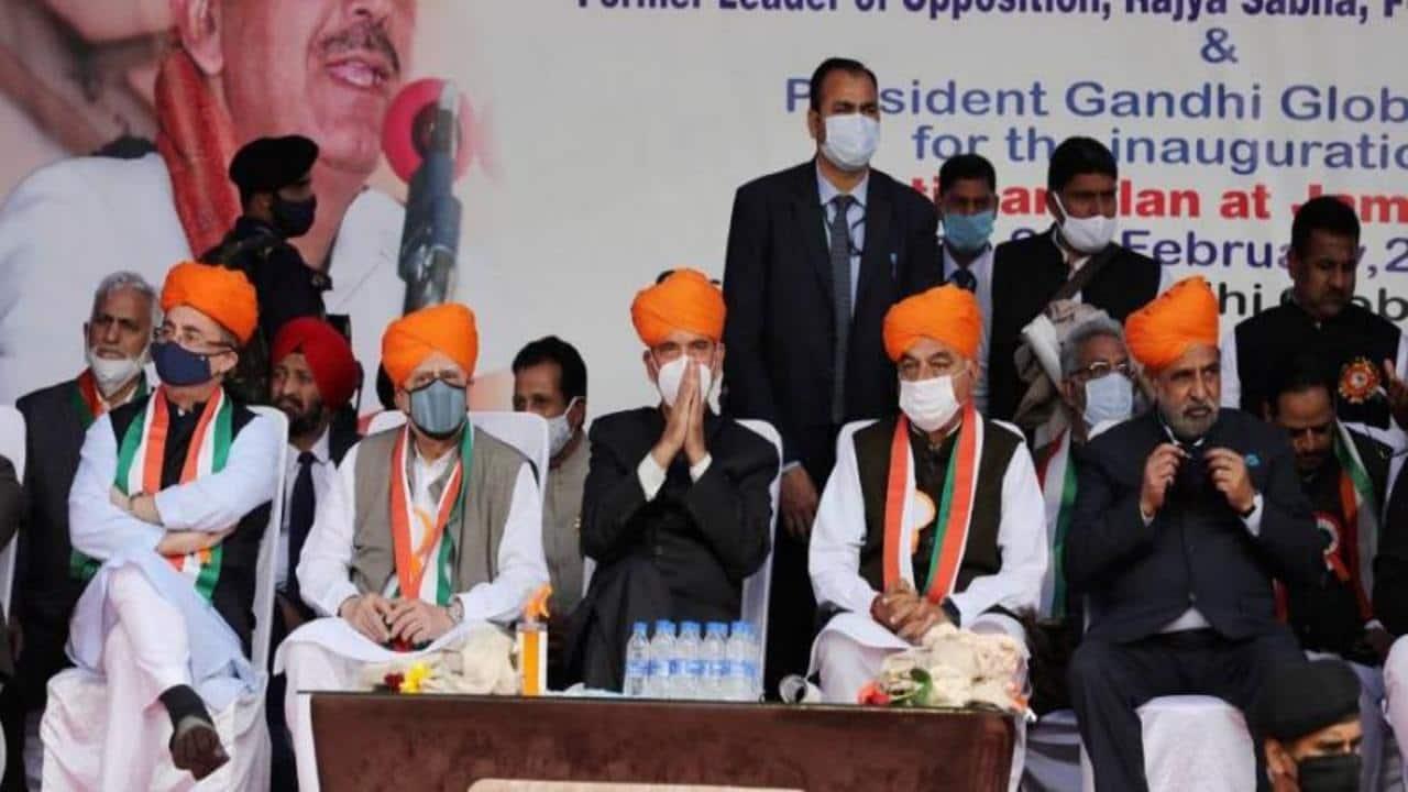 Senior Congress leaders Ghulam Nabi Azad (centre), Anand Sharma, Kapil Sibal, Bhupinder Singh Hooda and Manish Tewari during the 'Shanti Sammelan' event in Jammu, Jammu and Kashmir on February 27, 2021. (Image: PTI)