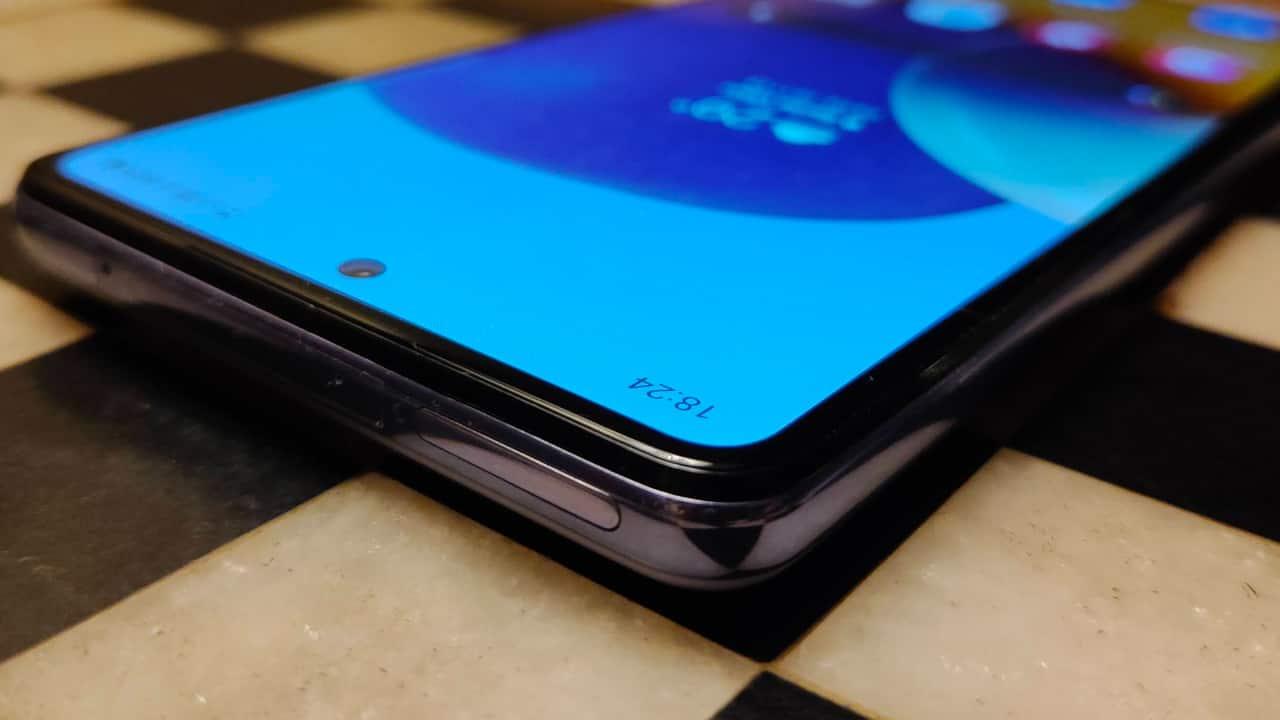 Samsung A72 Top
