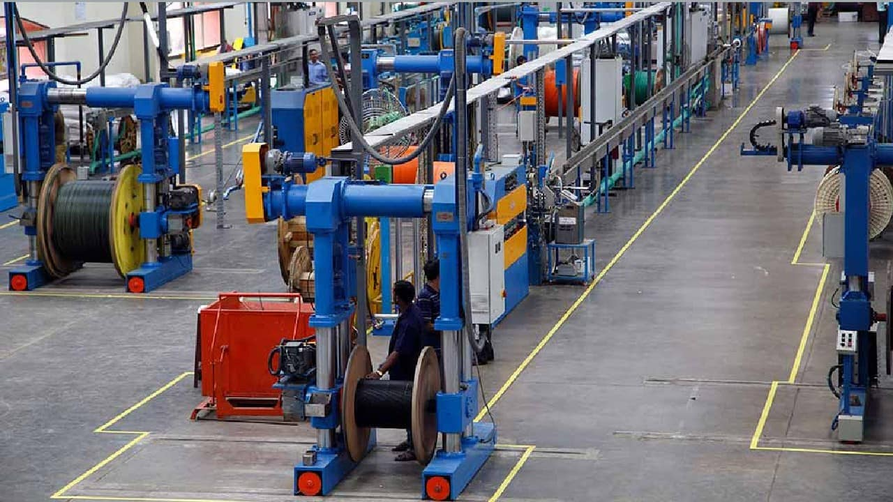 HFCL   The company reported higher consolidated profit at Rs 85.94 crore in Q2FY22 against Rs 53.32 crore in Q2FY21, revenue rose to Rs 1,122.05 crore from Rs 1,054.32 crore YoY.