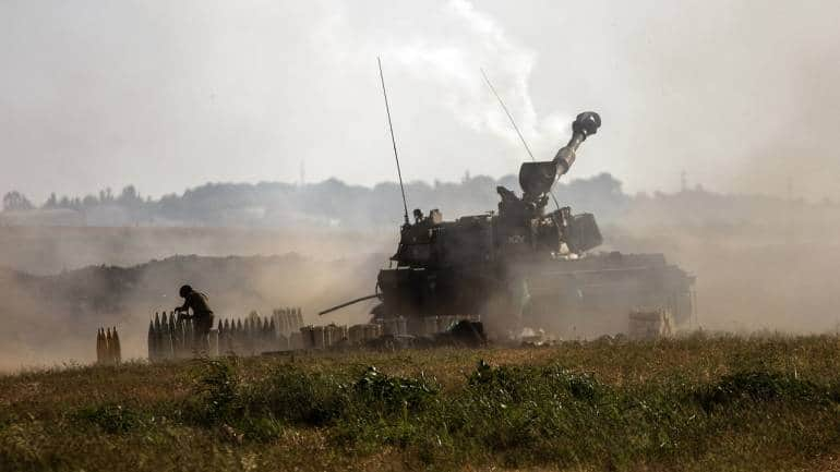 Image Israel stages new round of heavy airstrikes on Gaza City