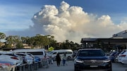 Controlled bushfire cloaks Sydney in hazardous smoke