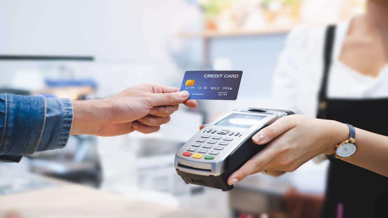 Want to use your credit card wisely? Stick to these spending and repaying rules