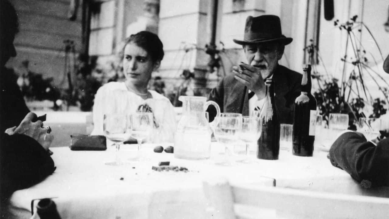 Anna and Sigmund Freud at the VIth International Psychoanalytical Congress, The Hague 1920.