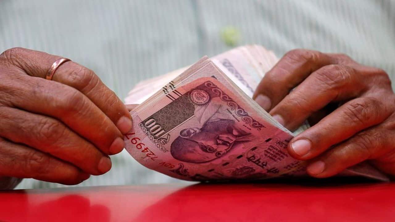 MFI's gross loan portfolio slips 4% to Rs 2,14,528 crore till June: Sa-Dhan