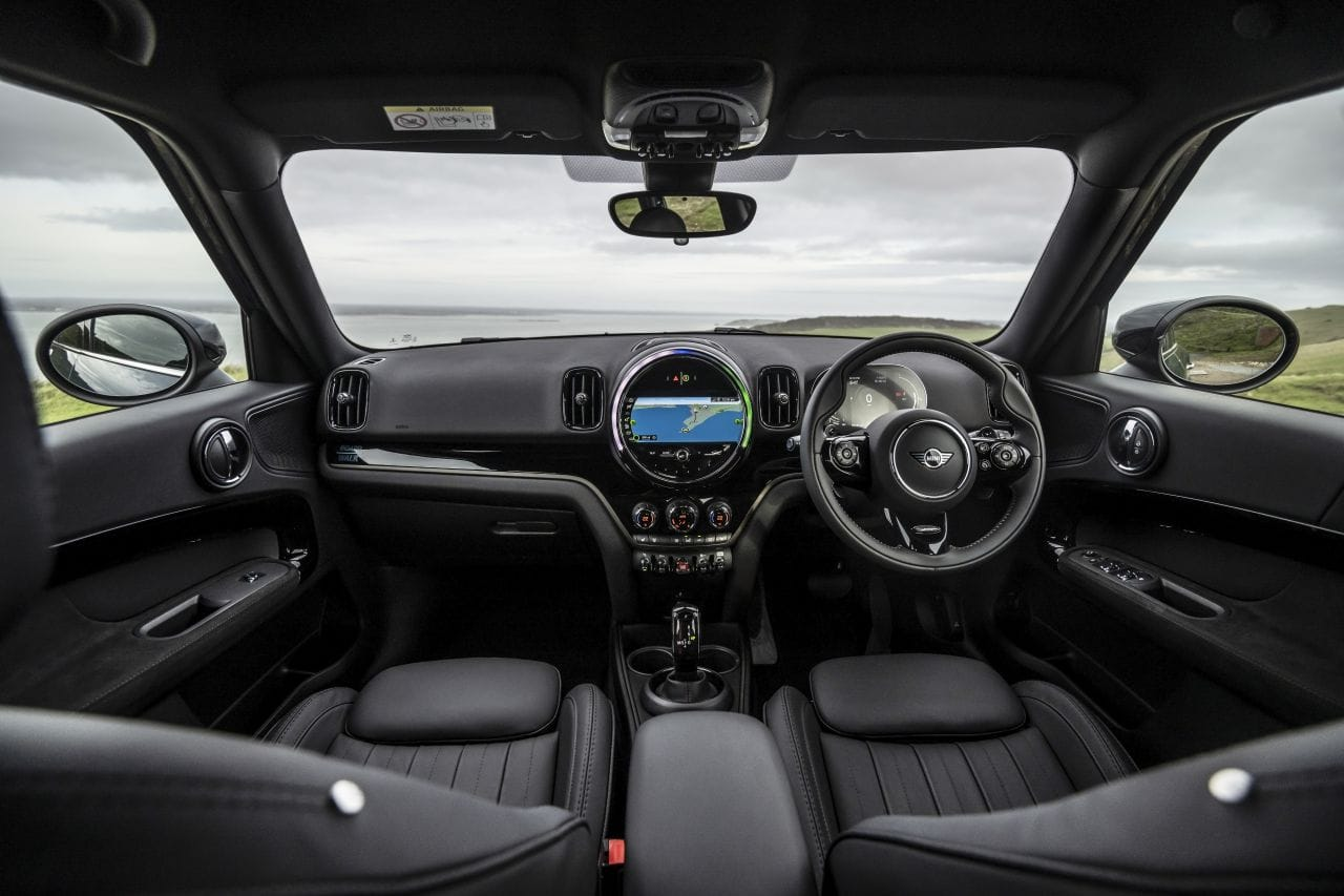 The overall quality of materials inside the Mini Countryman is superb. The aircraft-style switches and toggles are great to use, and very cool.