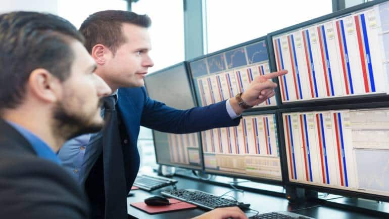 Why should you control emotions while trading?