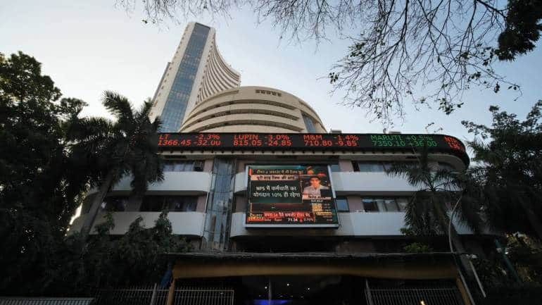 Closing Bell: Sensex, Nifty end flat amid volatility; auto stocks gain, IT drags