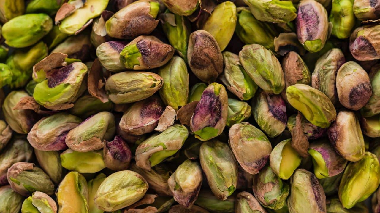 Afghanistan is one of the major suppliers of apricots and figs to the Indian markets. Other imports from the country include mamra or gurbandi almonds, small pistachio nuts, walnuts, almonds, pine nuts, and spices like shahi jeera and hing.
