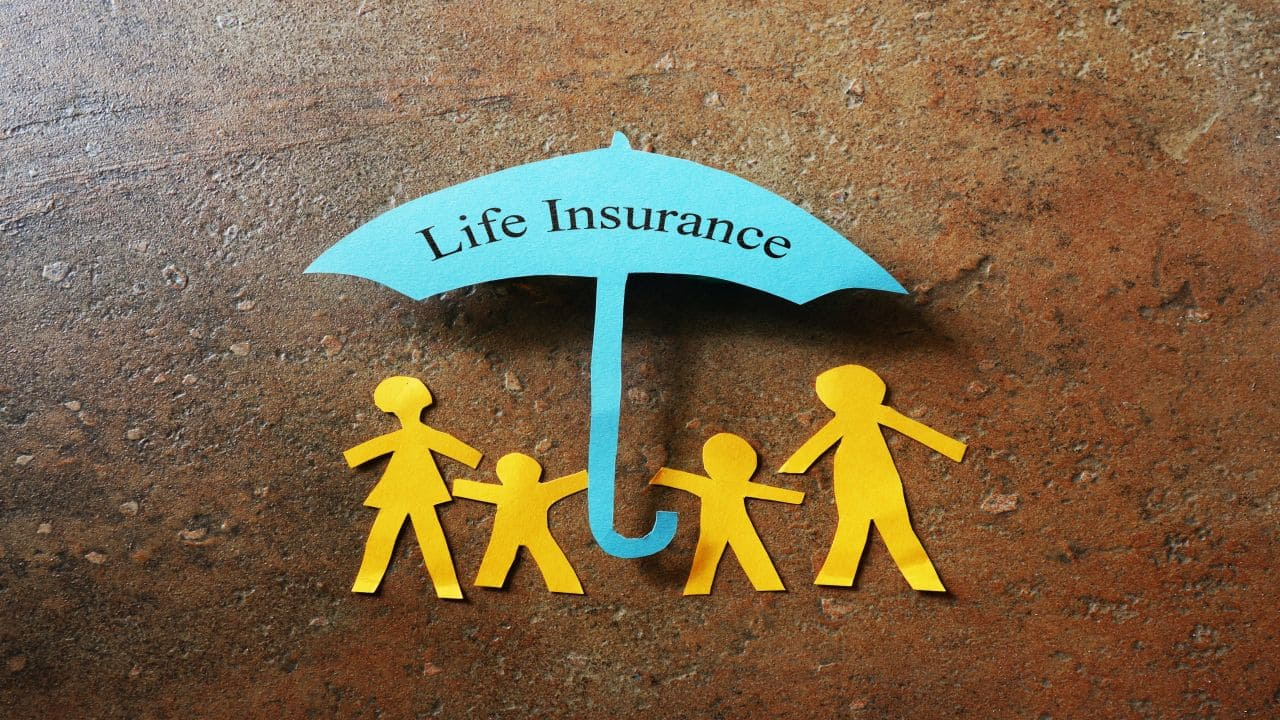 Strong growth momentum continues for private life insurers in September 2021